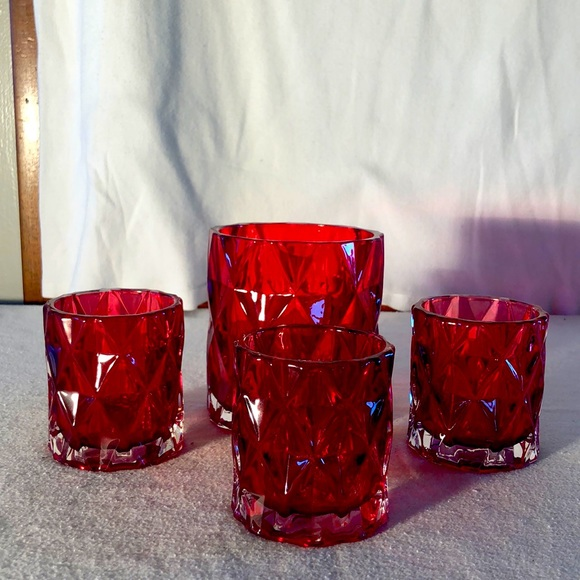 NWT Yankee Candle Red glass holder set
